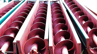 red screw conveyor